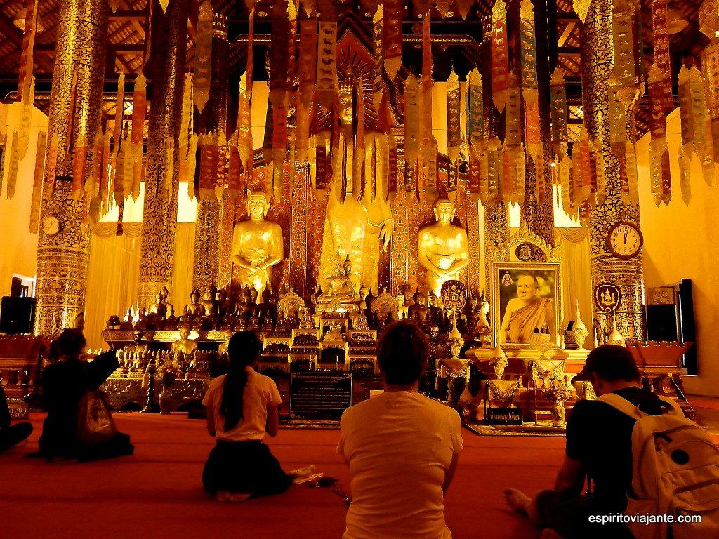 Wat Chedi Luang viajar na Tailândia
