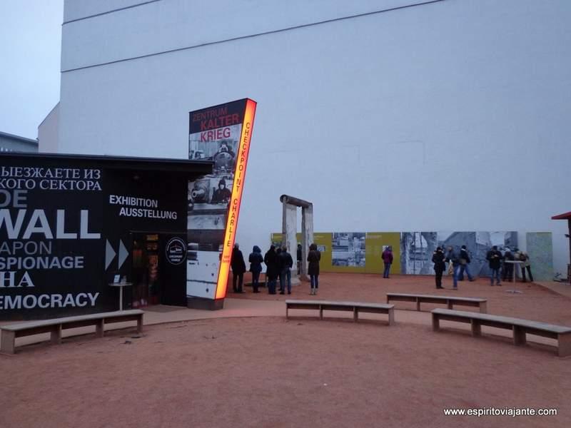 Visitar Berlim - Check Point Charlie