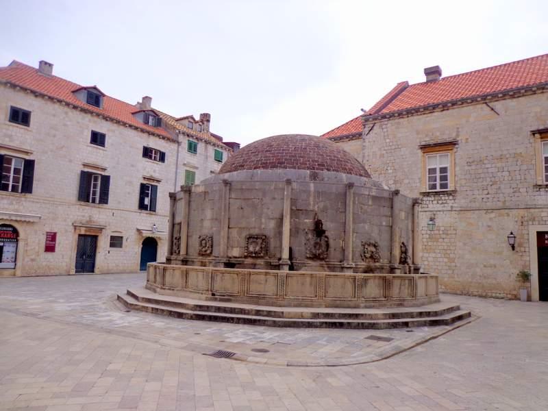 Visitar Dubrovnik Onofrio Fountain Croatia