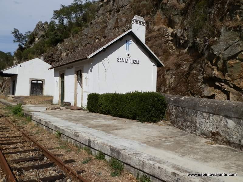 Linha-do-Tua-Douro-Vinhateiro-Portugal-Apeadeiro-Santa-Luzia