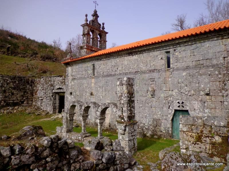 Pitões-das-Junias Mosteiro Peneda Gerês