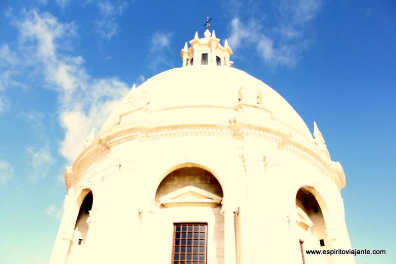 No topo exterior da cúpula