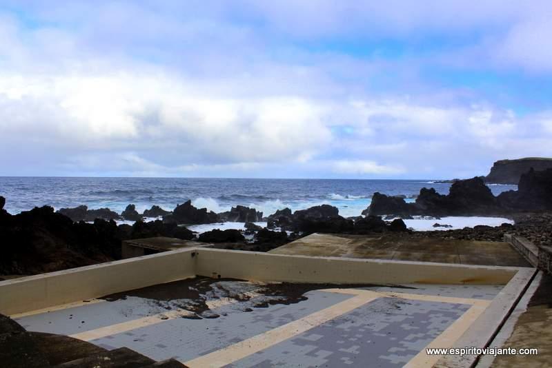 Piscinas naturais Quatro Ribeiras Terceira Açores VisitAzores