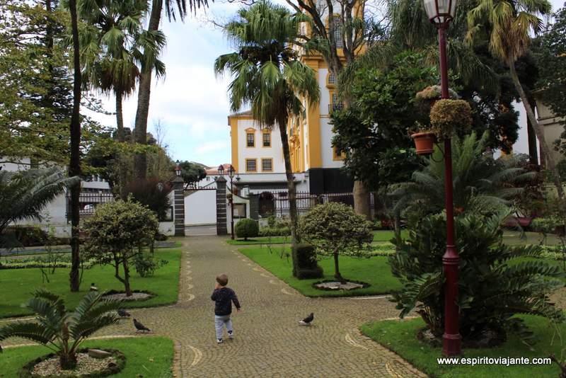Viajar nos Açores com crianças