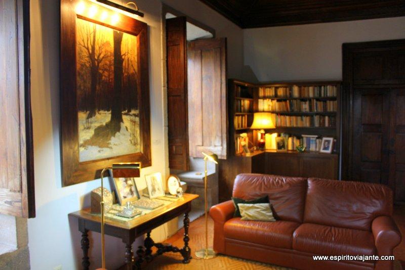 Biblioteca Eça de Queiroz