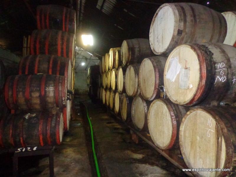 Fabrica de Rum em Pinar del Rio, Cuba
