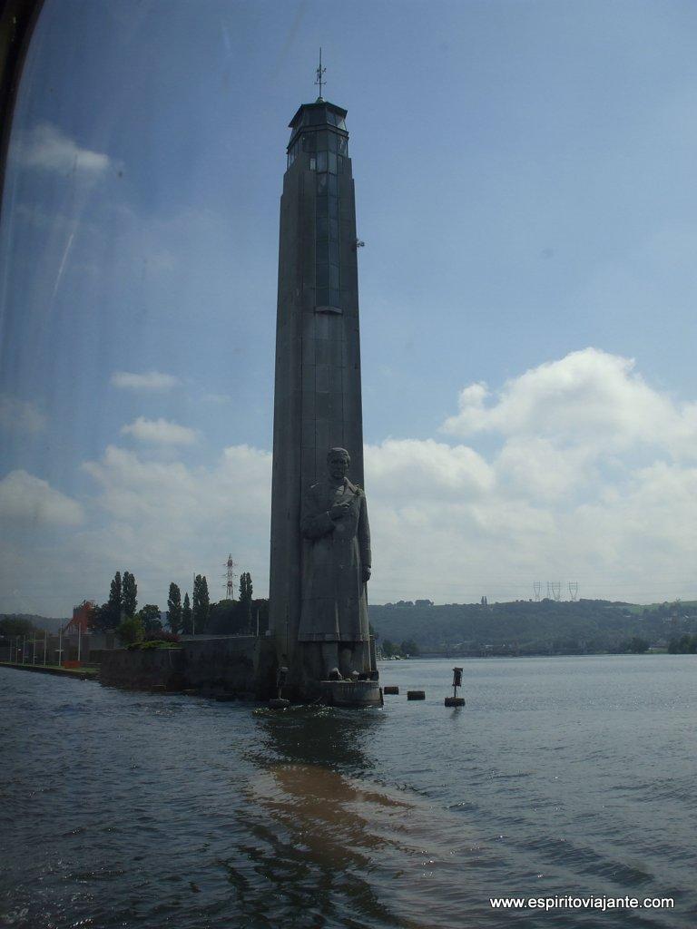 Viagem de barco rio Meuse