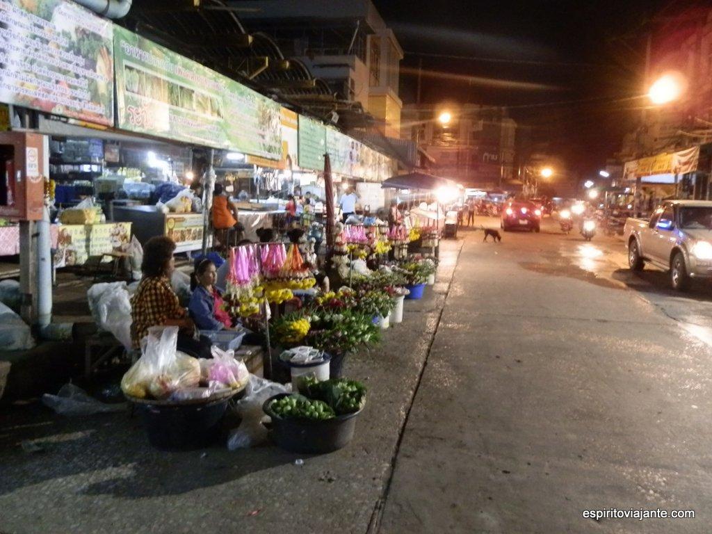 Mercado nocturno de Sukhothai