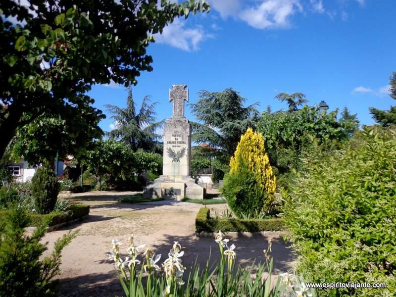 Monumento aos Mortos da Grande Guerra-Aldeia Histórica de Almeida