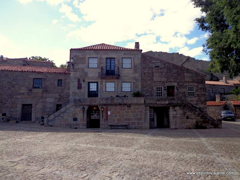 Aldeia Historica da Sortelha Casa dos Falcões