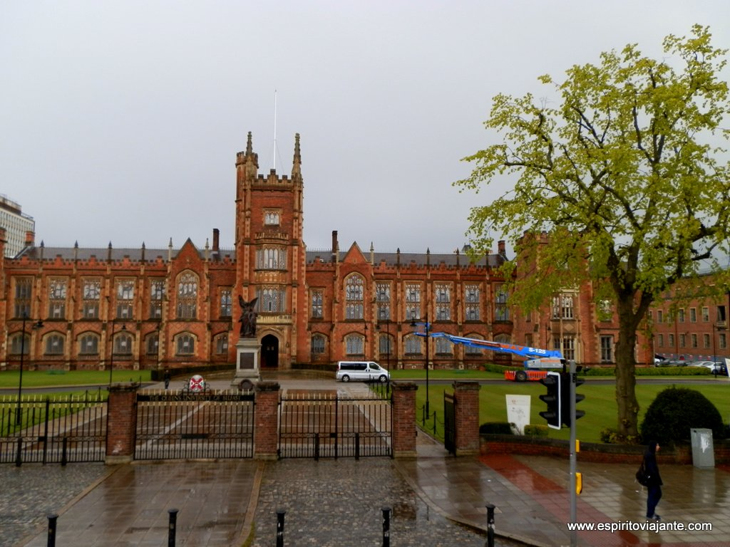 Universidade-Belfast-Queen's-University