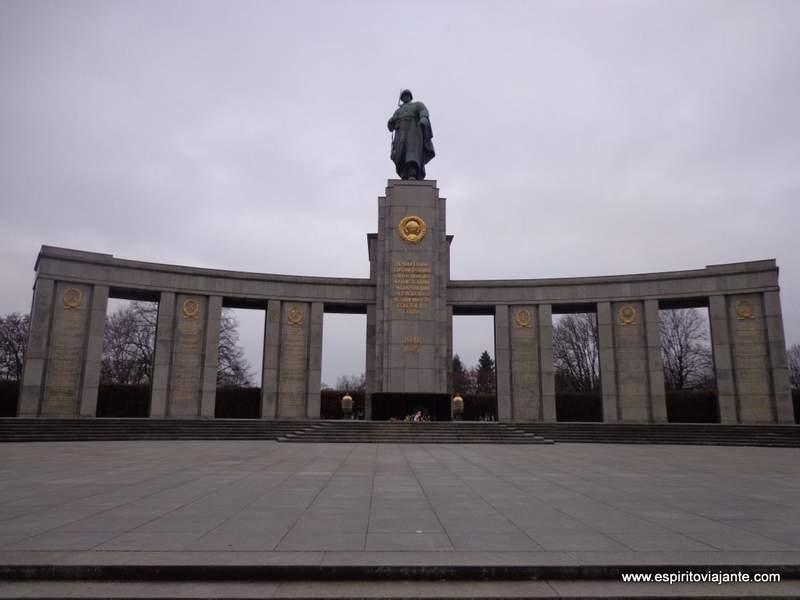 Visitar Berlim - Memorial Sovietico
