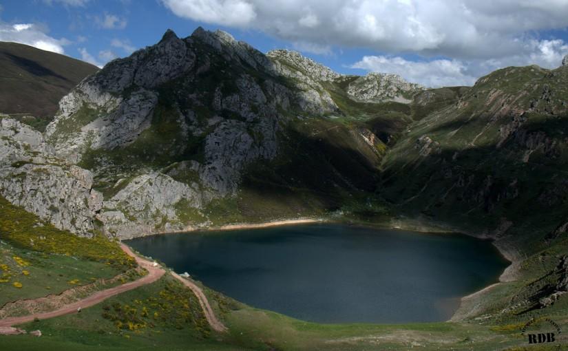 Laguna de la Mina Somiedo Parque Natural España Fotos