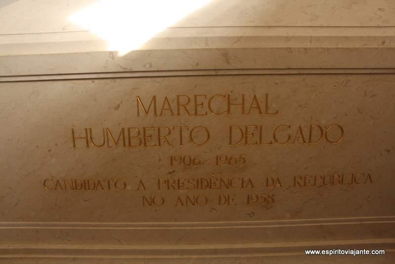 Sepultura do General Humberto Delgado