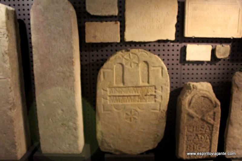 Museu Nacional de Arqueologia Aras votivas