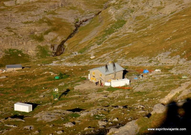 Visitar os Pirinéus Trekking Refugio