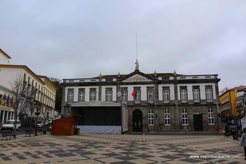 Praça Velha e Edifício dos Paços do concelho