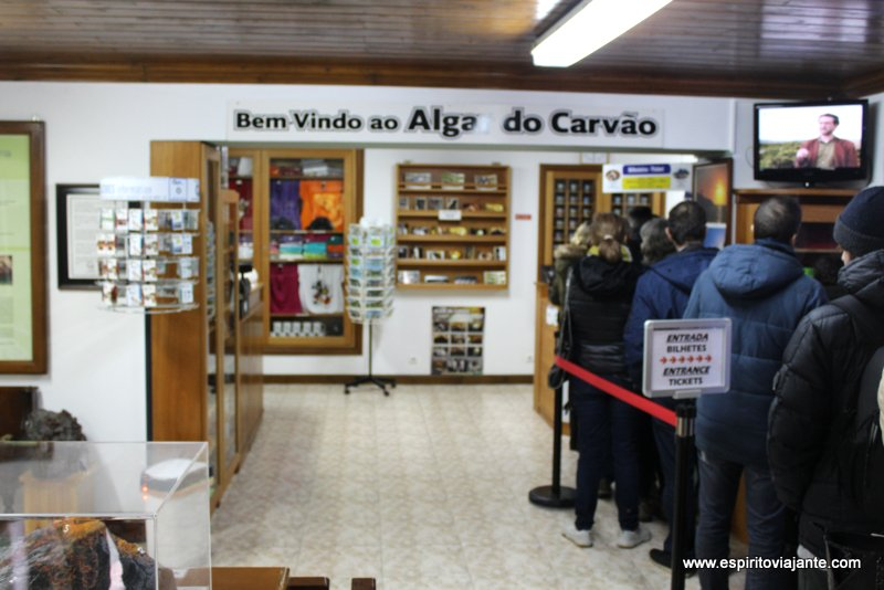 Algar do Carvão