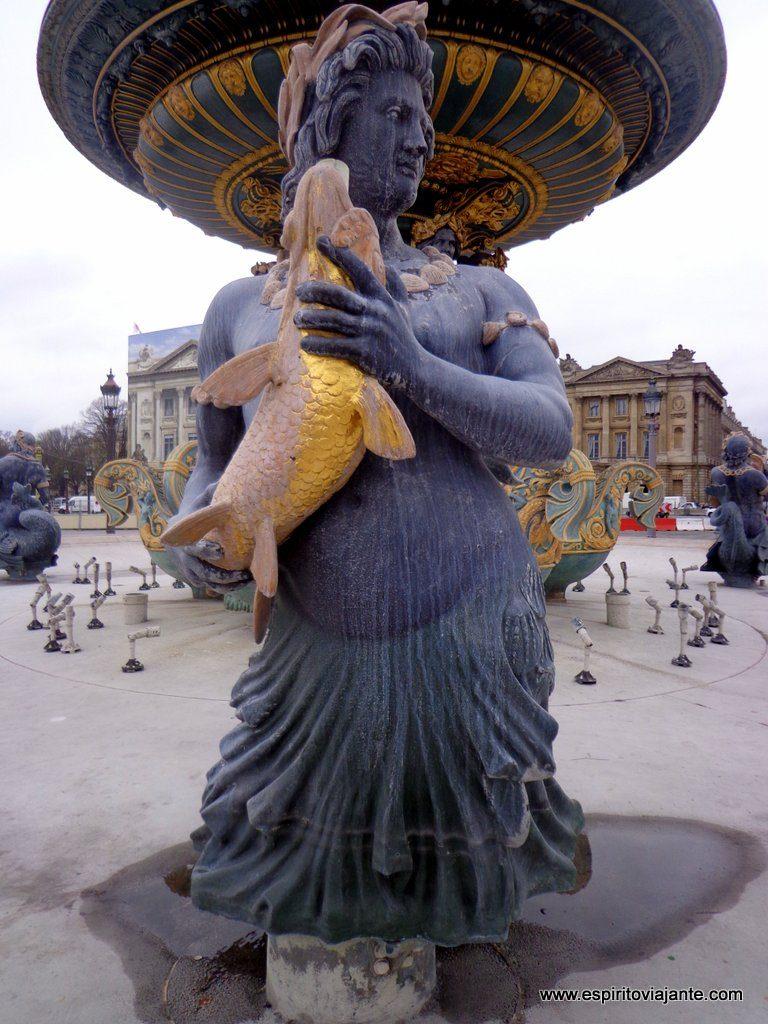 Place de la Concorde Paris Fontaine des Mers